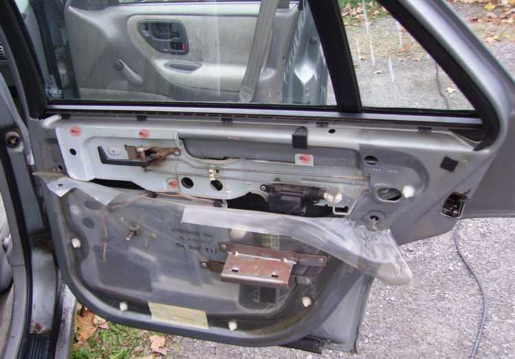 How to: Fix a rear door that won't lock [Corsica]
