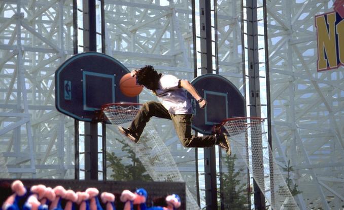 Fark.com Photoshop: Slam-Dunk Wall-jumper